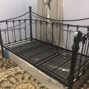 Trundle Bed for Sale in Somerset, MA