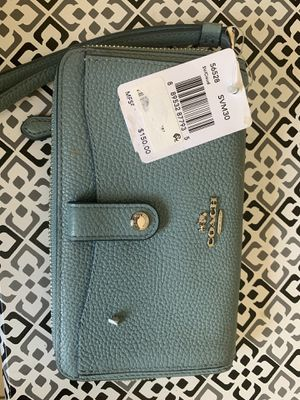 Coach woman's wallet with tags for Sale in Hialeah, FL