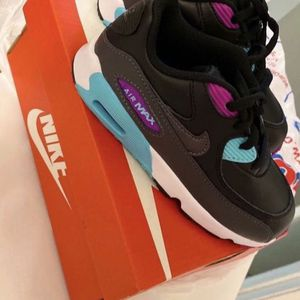 Nike Air Max 90 Kid Sneakers 10c for Sale in Miami, FL