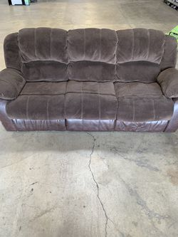 Reclining Couch for Sale in La Palma,  CA
