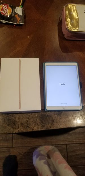 iPad Air 64gb gold for Sale in Upland, CA