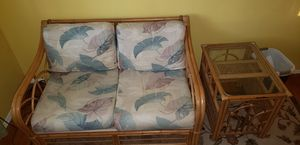 Wicker love seat & end table for Sale in St. Louis, MO