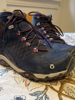 BRAND NEW WORN ONCE WOMEN'S HIKING BOOTS for Sale in Washington,  DC