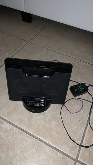 Free sony stereo comes with converting chord for Sale in North Miami Beach, FL