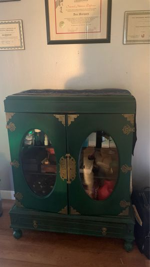 Green antique cabinet for Sale in Coral Gables, FL