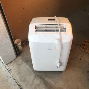 LG AC WINDOW UNIT for Sale in Riverside, CA