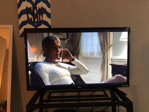 TLC 32 Inch Roku TV!!! Almost new ! for Sale in Sanford, NC