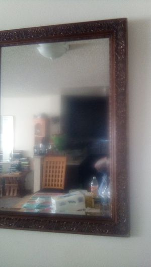 Wall mirror 4 feet tall 3 feet wide for Sale in San Bernardino, CA