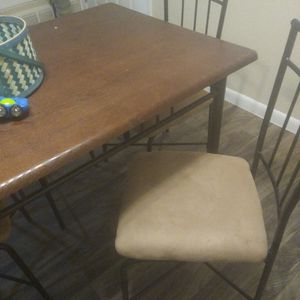 Table And Chairs for Sale in Albuquerque, NM