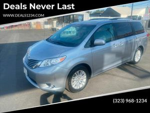 2014 Toyota Sienna for Sale in Los Angeles, CA
