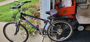21 Speed Bike with phone holder and back tire rack. for Sale in Dearborn, MI