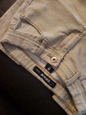 $5 Pantalon Caqui size 10 Slim for Sale in Calexico, CA