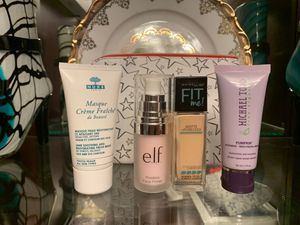 Foundation and face mask beauty set for Sale in Kent, WA