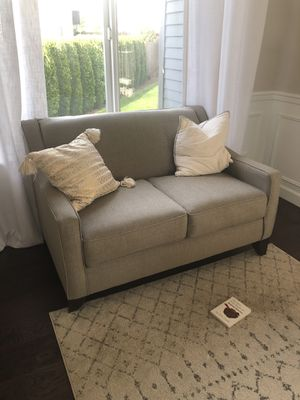 Loveseat / Couch! for Sale in Mill Creek, WA