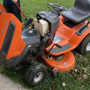 """HQ YTH18542 42"""" mower for Sale in Richmond, KY"""