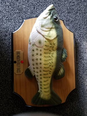 Singing bass wall mount for Sale in Prineville, OR