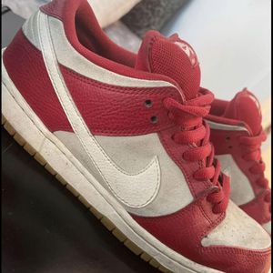 Nike SB Dunks Low Valentines (2015) for Sale in Tempe, AZ