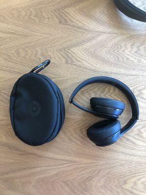 Beats Bluetooth headphones for Sale in Laguna Beach, CA