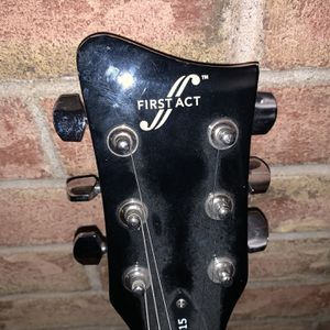 Guitar for Sale in Newington, CT