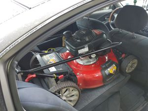 Honda lawn mower for Sale in Staten Island, NY