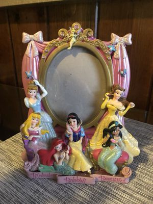 Disney princess 3-D photo frame for Sale in Brooklyn, NY