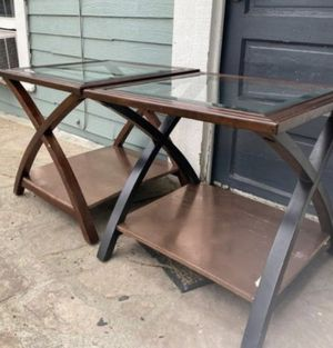 2 end tables w/ glass top for Sale in Riverside, CA