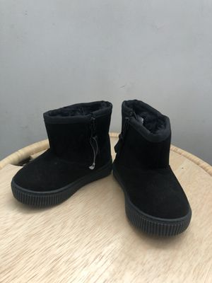 New cat and jack black warm suede boots for Sale in Cerritos, CA