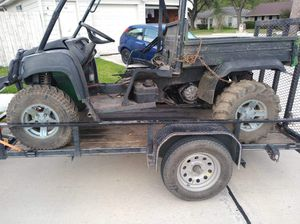 4x4 750 john deere gator 2009 needs work willing to trade for a cheap car or $1400 cash obo for Sale in Pasadena, TX