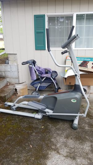 Elliptical (needs plug in but works) for Sale in Vancouver, WA