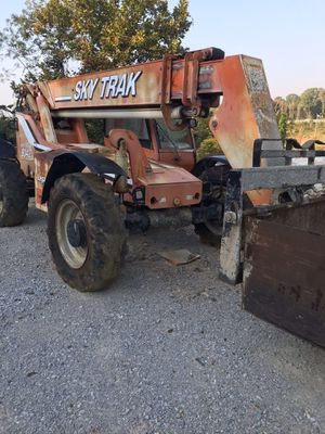 Skytrack forklift for Sale in Middle Valley, TN