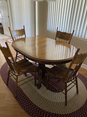 4 person table and chairs for Sale in Placentia, CA