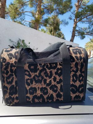 Small animal carrier for Sale in Las Vegas, NV