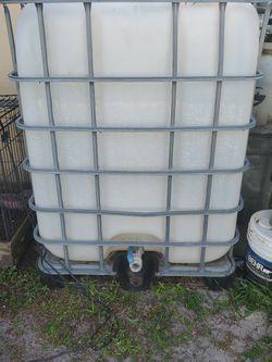 300 Gallon Tank $60 for Sale in Opa-locka,  FL