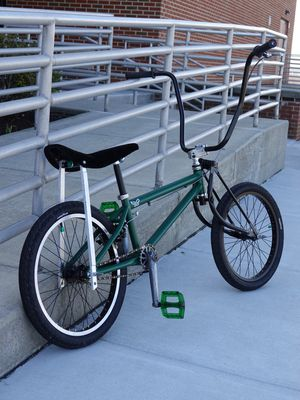 Custom , low rider bike. Philly Special tailgate cruiser. ! for Sale in PERKIOMENVLLE, PA
