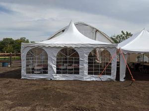 Frame tent 20x20 for Sale in Glendale Heights, IL
