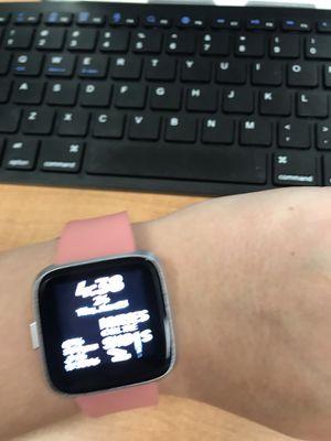 Fitbit Versa lite like new for Sale in Greensboro, NC