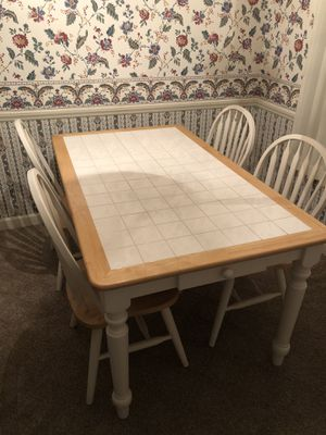 Kitchen table and four chairs for Sale in Fort Mill, SC