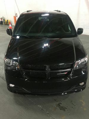 DODGE GRAND CARAVAN 2017 for Sale in Miami, FL