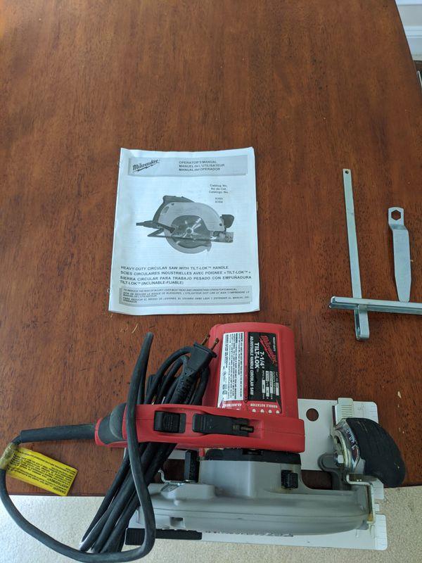 Milwaukee - Heavy-Duty Circular Saw with Tilt-lok handle