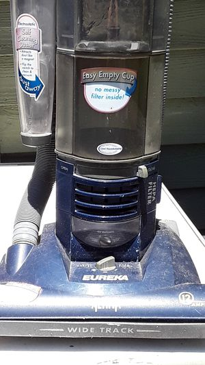 Eureka,Altima vacuum for Sale in Wake Forest, NC