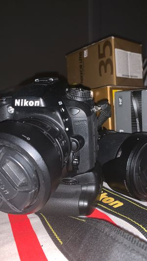 NIKON D7200 - Mint Cond. - Plus Accessories and Lenses for Sale in Belleville, NJ