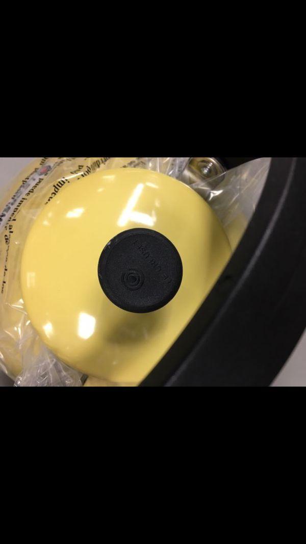 Le creuset tea kettle yellow