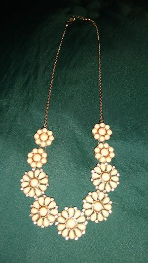 Peach Colored Floral Statement Necklace for Sale in VLG WELLINGTN, FL
