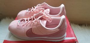 🌸💕WOMEN'S NIKE CORTEZ SIZE 7.5 OR 6YOUTH 24CM💕🌸 for Sale in Silver Spring, MD