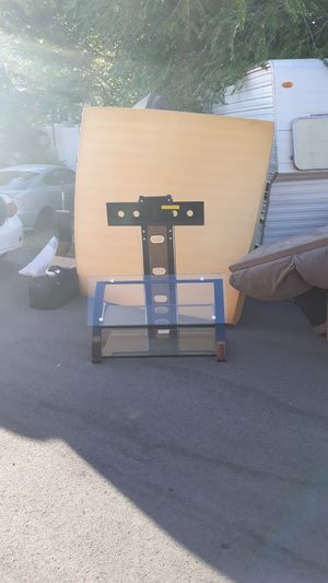 Flat panel tv stand up to 60 inch for Sale in Salt Lake City, UT