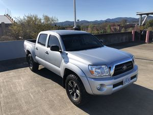 2005 Toyota Tacoma Double Cab V6 4x4 SR5 - Leather Heated Sears for Sale in Corvallis, OR
