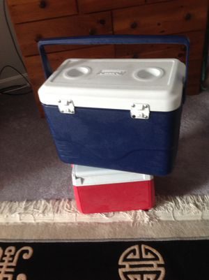 Coleman 28-Quart Cooler for Sale in Ashland, MA