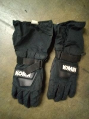 Kombi snowmobile / snowboard gloves for Sale in Wildomar, CA