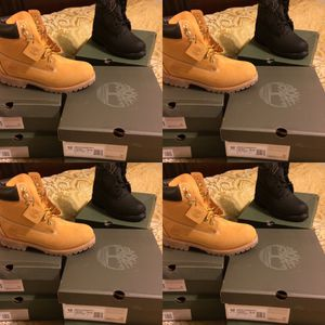 Timberland Boots Blk or Wheat have a size 9 right now for Sale in Tampa, FL