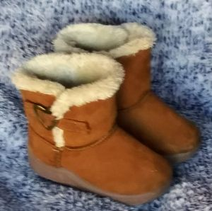 Garanimals Toddler Sz 3 Tan Boots w/Faux Lining for Sale in Wichita, KS